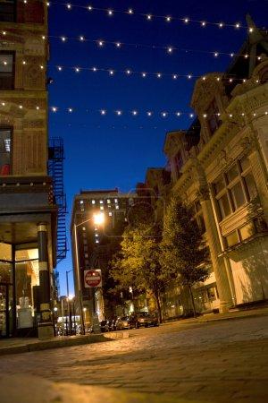 Photo pour Une scène nocturne au centre-ville de Providence Rhode Island . - image libre de droit