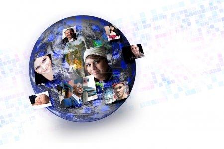 Photo pour Du monde avec leurs photos sortent de différentes parties de la terre. fonctionne très bien pour les notions de technologie de médias sociaux. original terre photo courte - image libre de droit