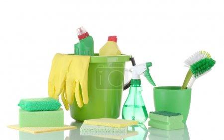 Photo pour Produits de nettoyage isolés sur blanc - image libre de droit