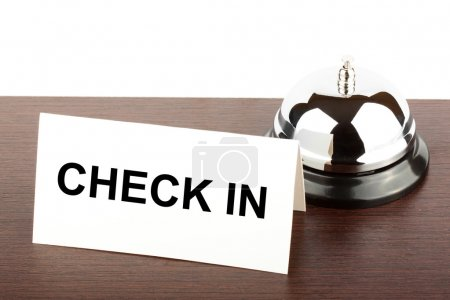 Photo pour Service Bell avec Check In Connexion au comptoir de l'hôtel - image libre de droit
