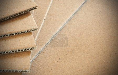 Photo pour Feuilles de carton ondulé avec espace pour le texte - image libre de droit