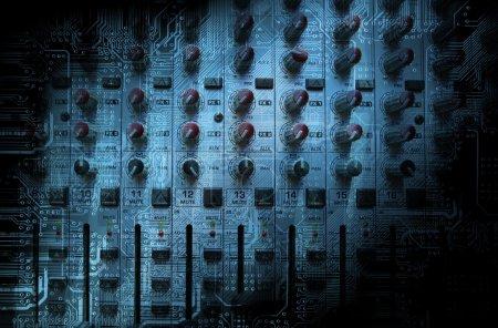 Photo pour Mixage console closeup - concept de la musique, studio photo - image libre de droit