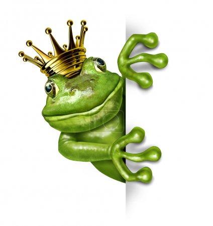 Photo pour Prince grenouille avec la Couronne d'or tenant une pancarte vide verticale blanche, représentant le concept de conte de fées du changement et de transformation d'un amphibie à redevance co - image libre de droit