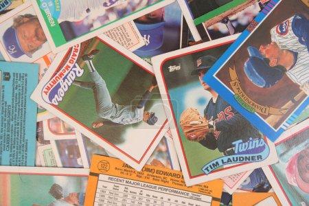 Verstreute Baseballkarten