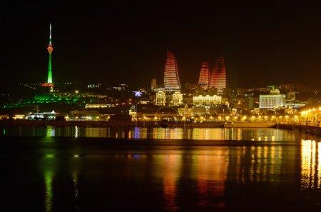 Night landscape in the National Park Bulvar Baku (...