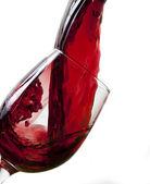 červené víno přelijete do skla