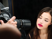 "Постер, картина, фотообои ""Женский модель на фото съемки в студии"""