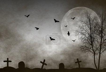 Photo pour Scène cimetière effrayant avec des chauves-souris volant au clair de lune. parfait comme fond de halloween - image libre de droit