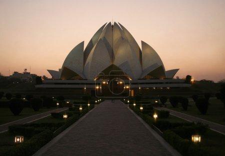 Photo pour Coucher de soleil à lotus temple, delhi, Inde - image libre de droit