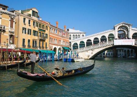 Gondola at Rialto bridge
