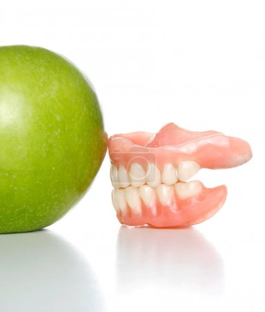 Teeth vs apple