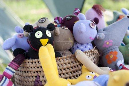 Photo pour Une pile d'animaux en peluche pour une chambre d'enfant - image libre de droit