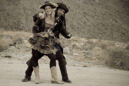 hot wench mit pirat in der wüste
