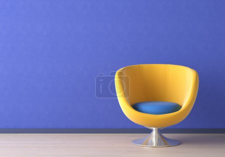 Photo pour Design intérieur du fauteuil jaune contre un mur bleu vif avec espace de copie sur le coin supérieur gauche - image libre de droit