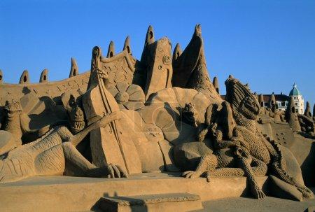 Photo pour Festival du sable. Des dinosaures. ZEEBRUGGE Flandre occidentale. BELGIQUE - image libre de droit