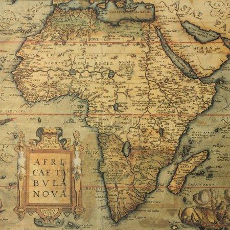 Photo pour Reproduction de la carte du XVIe siècle de l'Afrique gravé et coloré par le célèbre cartographe hollandais abraham ortelius - image libre de droit