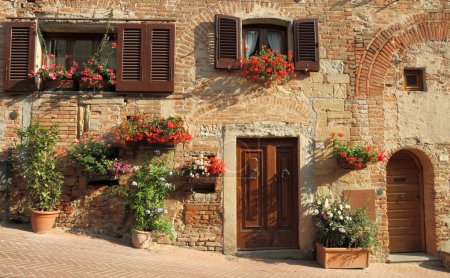 Tuscan style of living