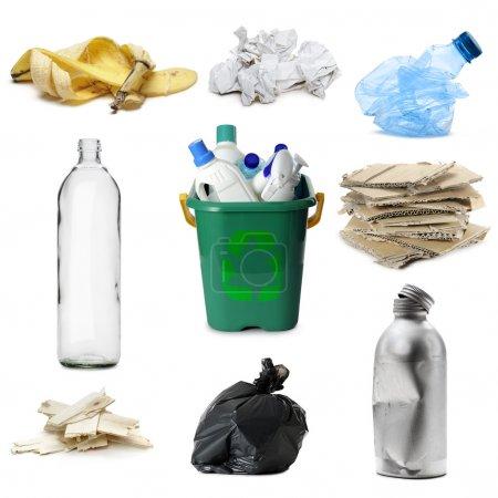 Photo pour Différents types de déchets recyclables, isolés sur du blanc - image libre de droit