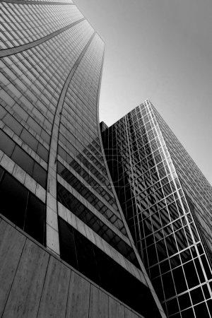 Foto de Rascacielos de ciudad abstracto en blanco y negro - Imagen libre de derechos