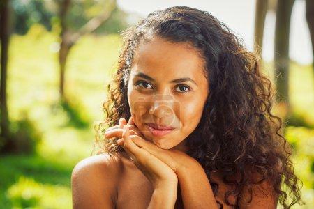 Photo pour Femme afro-américaine - image libre de droit