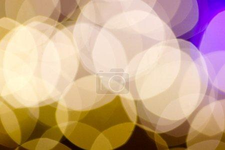 Photo pour Fond de lumières jaunes hors foyer - image libre de droit