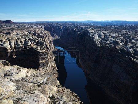 Photo pour Vue aérienne de la vallée de la rivière en utah canyonlands. - image libre de droit