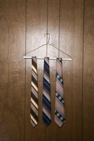 Tres corbatas retro .