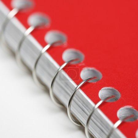 Foto de Cerrar rojo cuaderno encuadernado - Imagen libre de derechos