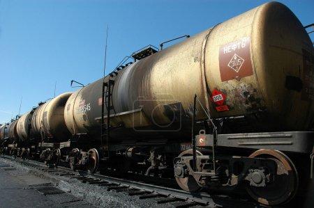 Bulk-oil train. The tank with crude oil