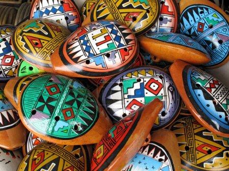 Photo pour Ocarina. Instrument de musique autochtone en argile - image libre de droit