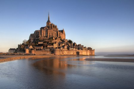 Mont Saint Michel reflection