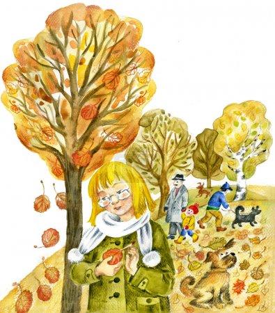 Photo pour Fille de l'arbre regarde pensivement la feuille de peuplier faux-tremble contre automne parc avec marche et animaux de compagnie. - image libre de droit