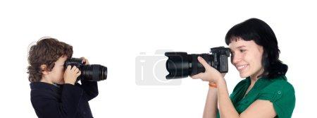 Foto de Mujer y niño haciendo fotos aisladas sobre fondo blanco - Imagen libre de derechos