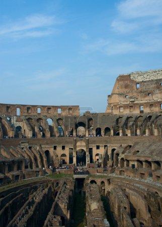 Photo pour Ruines du Colisée de rome - image libre de droit
