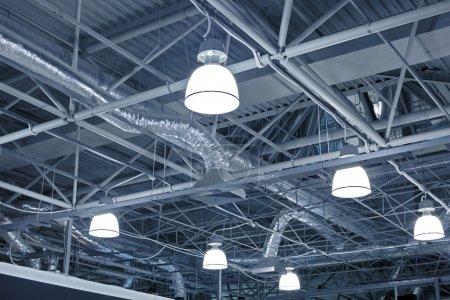Photo pour Système de ventilation du bâtiment moderne - image libre de droit