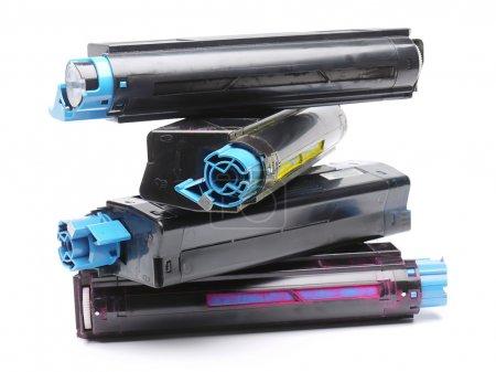 Cuatro cartuchos de tóner de impresora láser a color