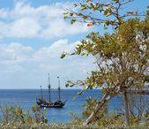Постер Пиратский Корабль В Карибском Море