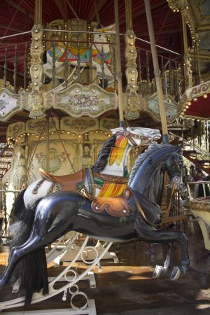Carrousel manège old merry-go-round black paris