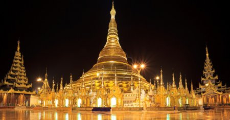 Shwedagon pagoda at night (Panorama), Rangon,Myanmar