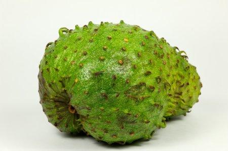 Photo pour Un fruit vert, aussi appelé guanabana - image libre de droit