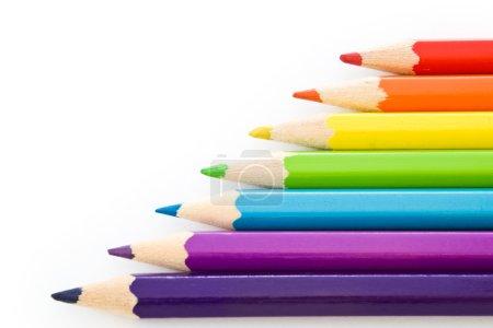 Photo pour Crayons colorés sur fond blanc - image libre de droit