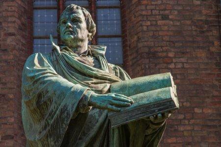 Statue of the German church reformator Martin Luth...